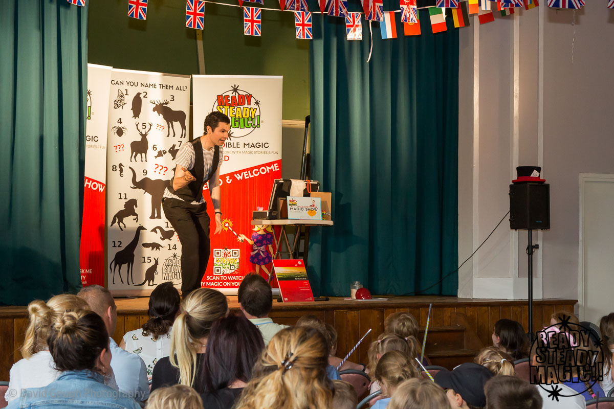 UTTOXETER KIDS MAGIC SHOW
