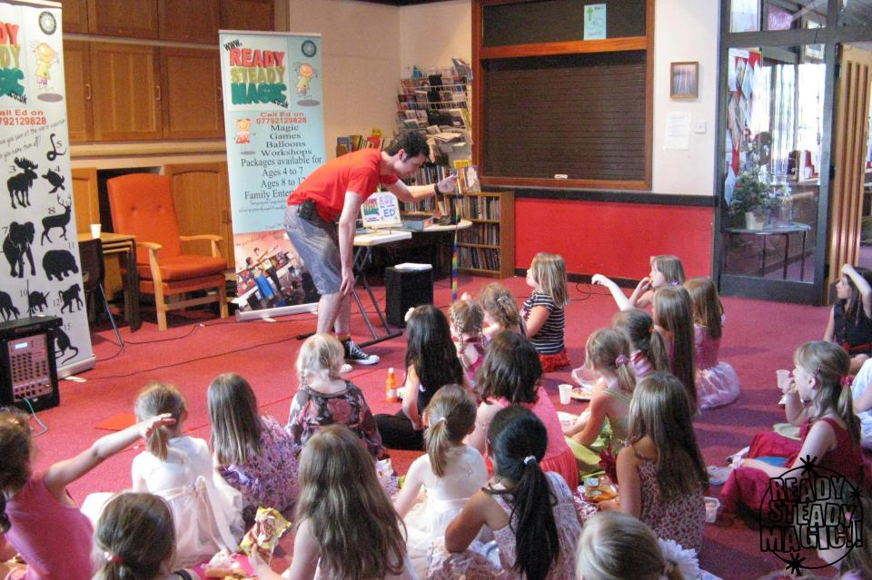 Wolverhampton Schools Childrens Entertainer / Magician