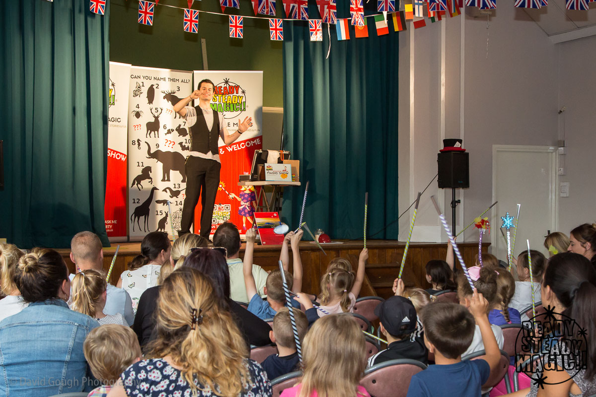 Family events, childrens entertainer, magician, Lichfield, Sutton Coldfield