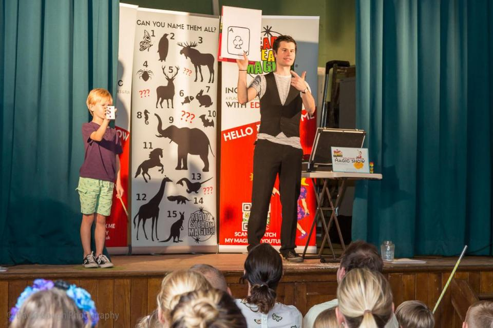 kids-stage-magic-show-960